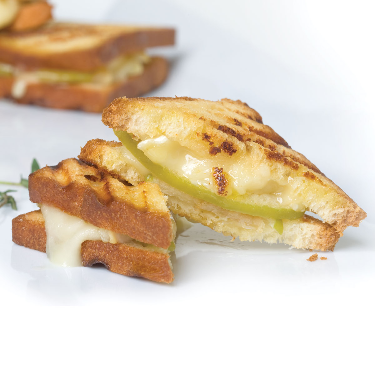occasions_mini_pear_brie_grilled_cheese