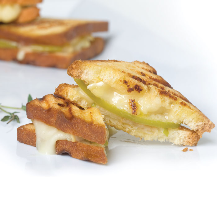 Mini-Brie-&-Apple-Grilled-Cheese